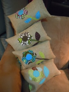 flower-pillow-applique-sewing-class